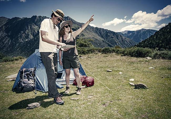 camping-mountain-trekking