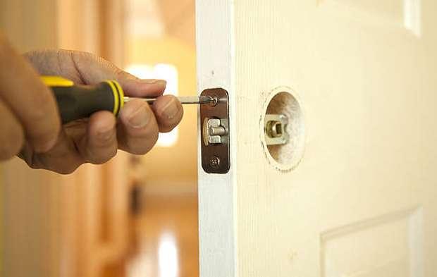 fixing-the-door
