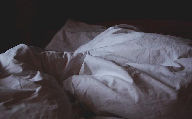 sheets-duvet-bedding-white