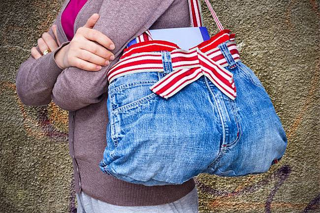 upcycled-jeans-bag