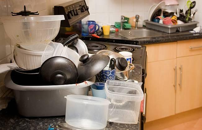dirty-kitchen-mess-clutter