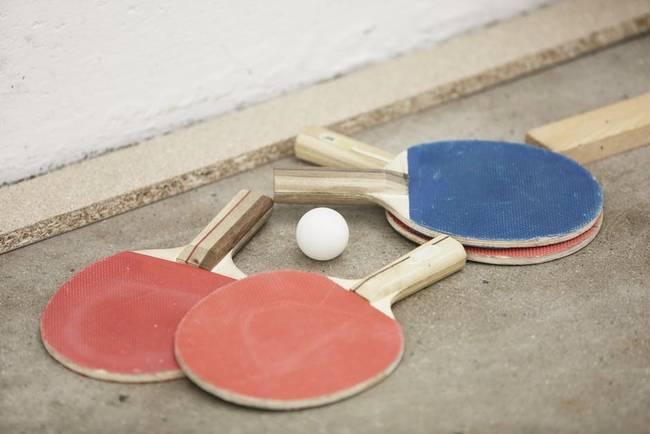 table-tennis-rackets-ball