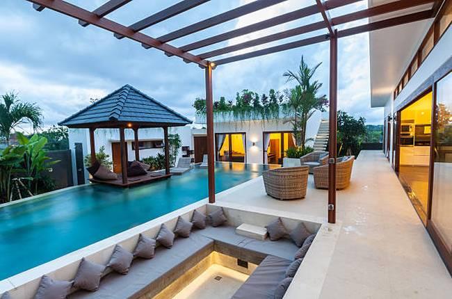 tropical-modern-villa-exterior