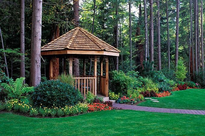 beautiful-backyard-garden-with-a-cedar-wood-gazebo