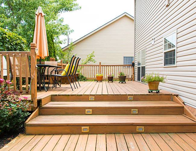 wooden-patio-garden-deck