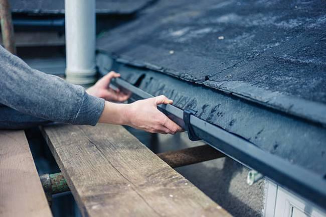 fixing-gutter